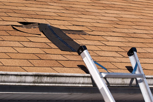 Emergency roof repair contractor serving Wichita Falls, Buckburnett